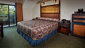 wdw-wilderness-lodge-room-type-club-level-concierge-honeymoon-suite-170x96.jpg