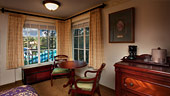 wdw-port-orleans-french-quarter-rooms-water-view-170x90.jpg