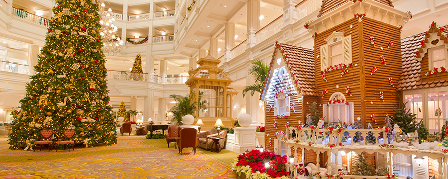 Charming Holiday Displays for 2013